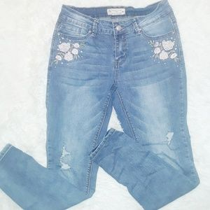 Angel Kiss mid rise floral straight leg Jean's.  9